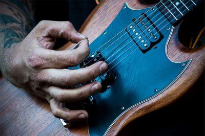 Rocktile E Gitarre im Test