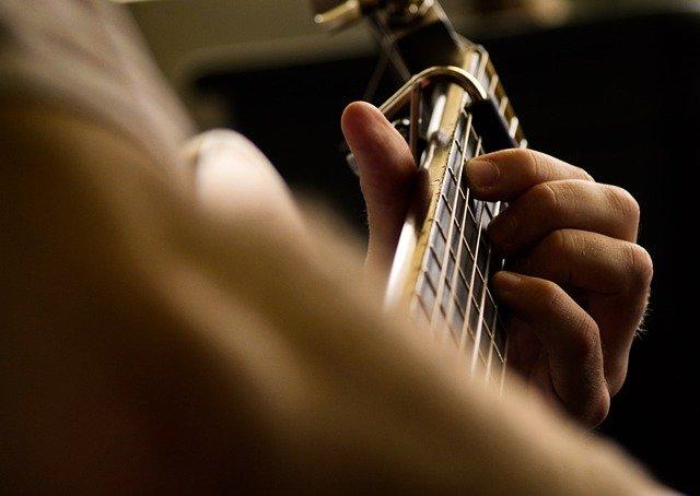 Kapodaster Gitarre